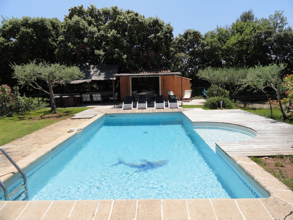 Chambre d 39 hote var swimming pool in puget ville in the for Chambre d hote gordes